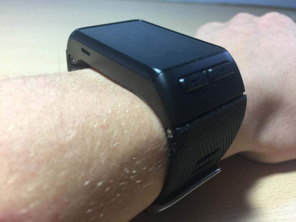 Garmin Vivoactive HR Macro Side Wrist