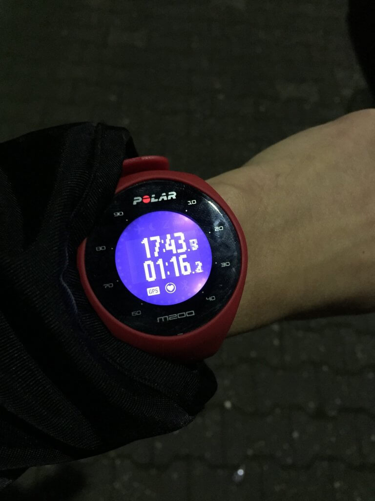 Polar M200 Display im Dunklen