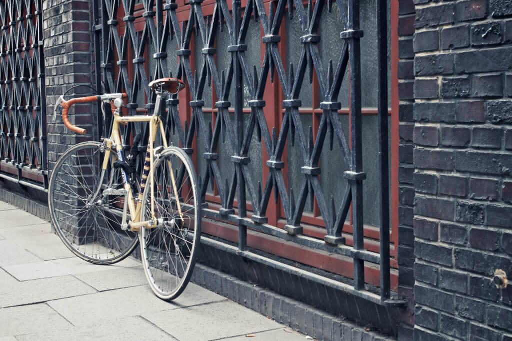 Rennrad finden - Rennrad an Wand