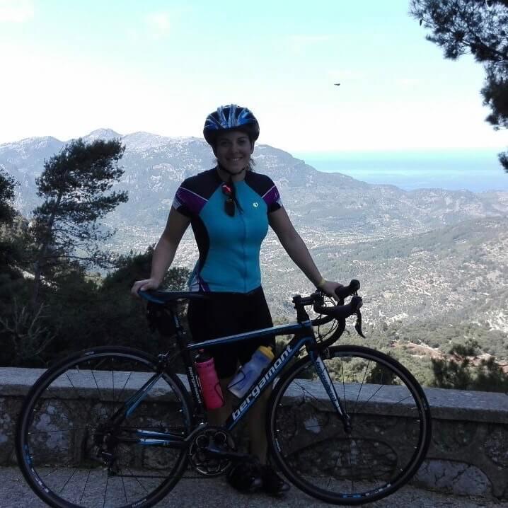 Isa beim Radfahren
