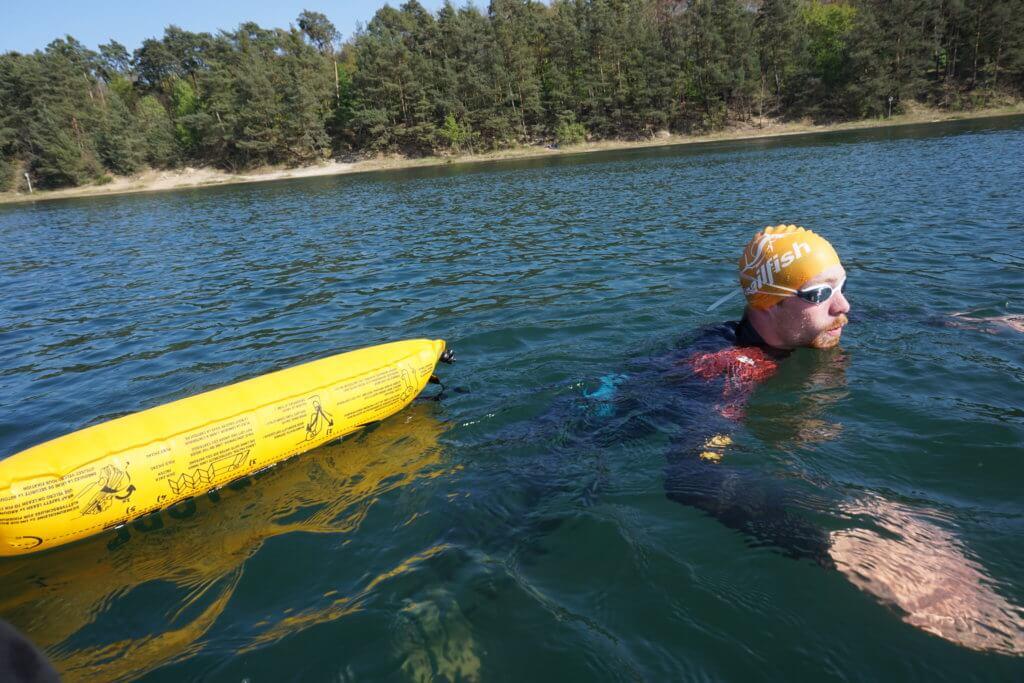 RESTUBE Test: Schwimmen mit Boje
