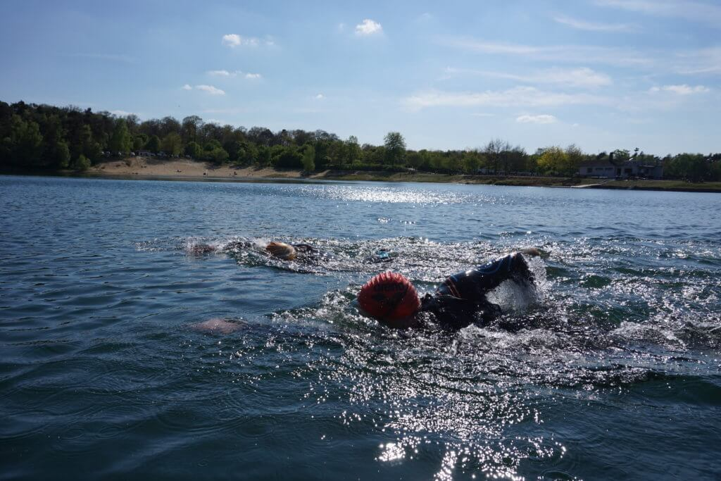 RESTUBE Test: Schwimmen mit Tasche
