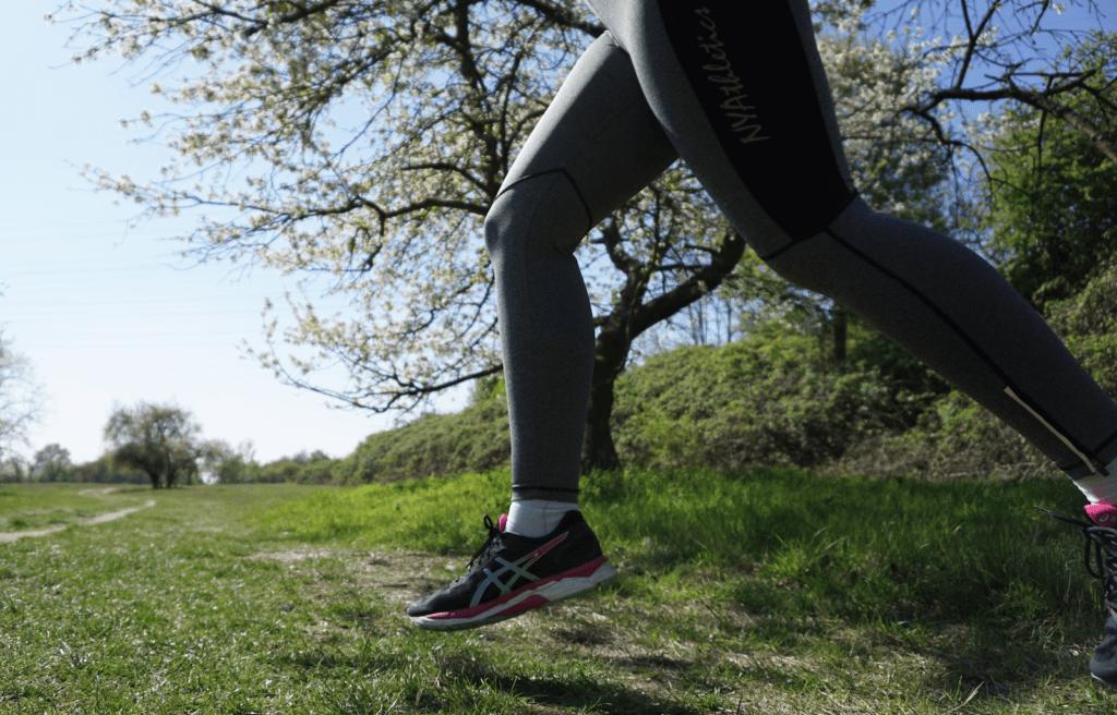 Knieschmerzen beim Laufen auf Waldwegen