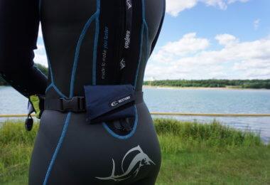 waterproofbag Test - kompakt zusammengefaltet und horizontal angebracht