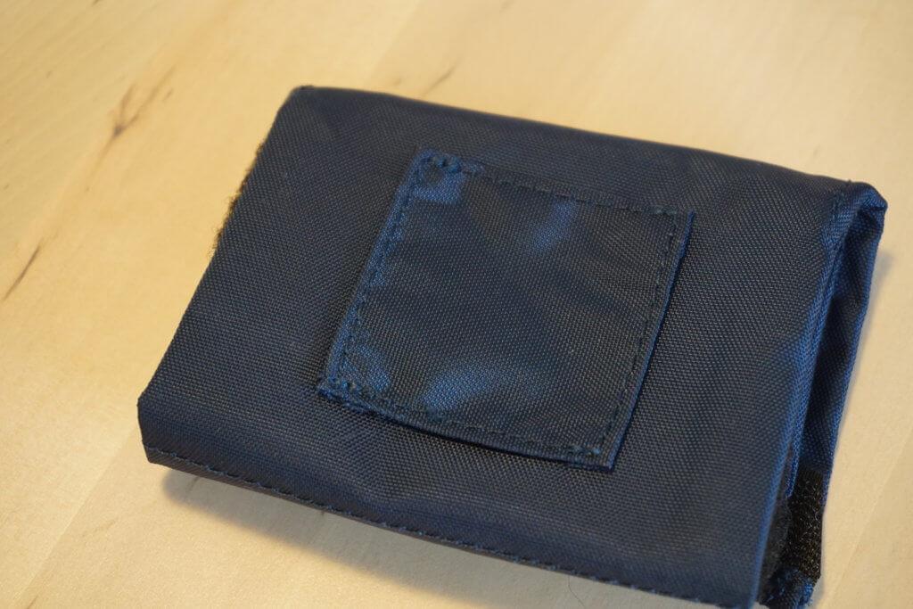 waterproofbag Test - rückseitige Lasche zum Anbringen an einem Gürtel