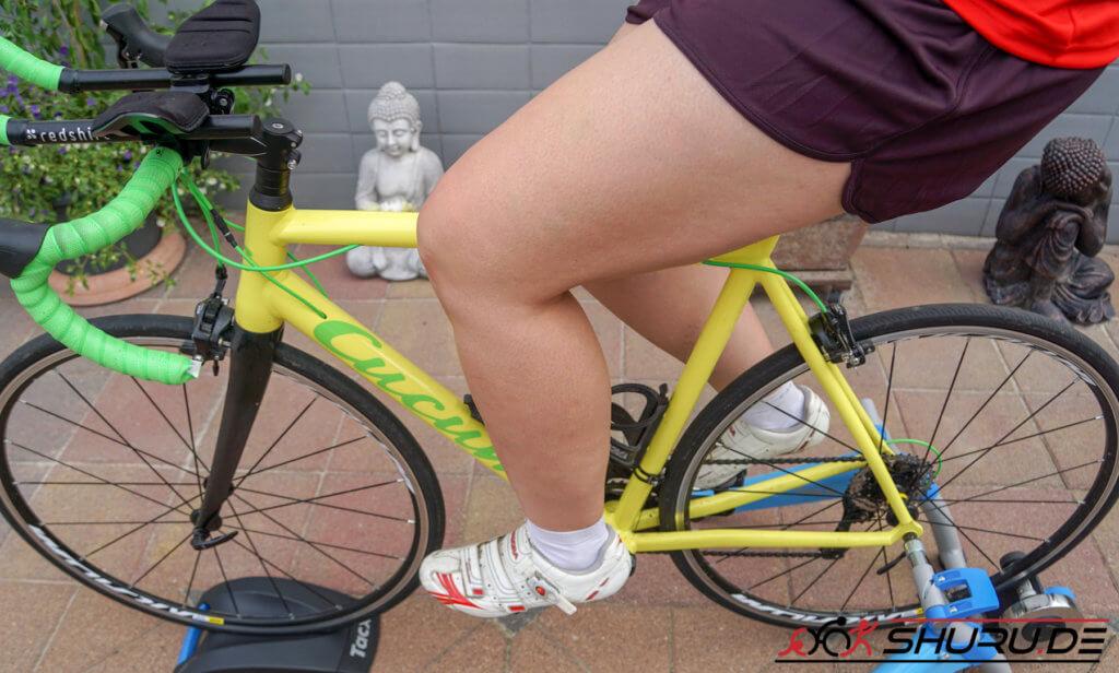 Rennrad Sitzposition - Knie und Fußstellung
