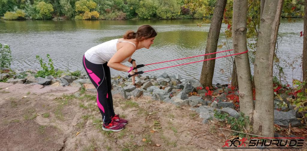 Zugseil-Übung für die Druckphase beim Kraulschwimmen (erste Phase)