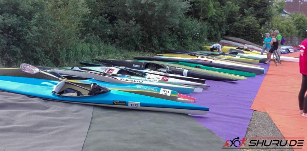 Quadrathlon-Staffel Kajakfahren
