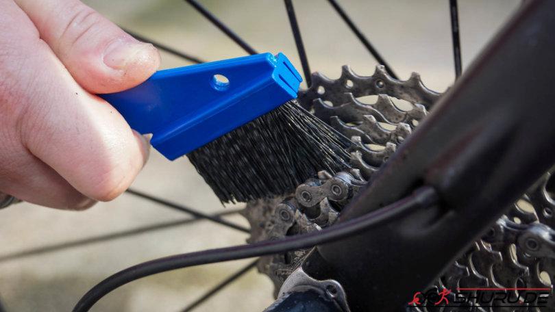 Fahrrad Pflege Ritzel bürsten
