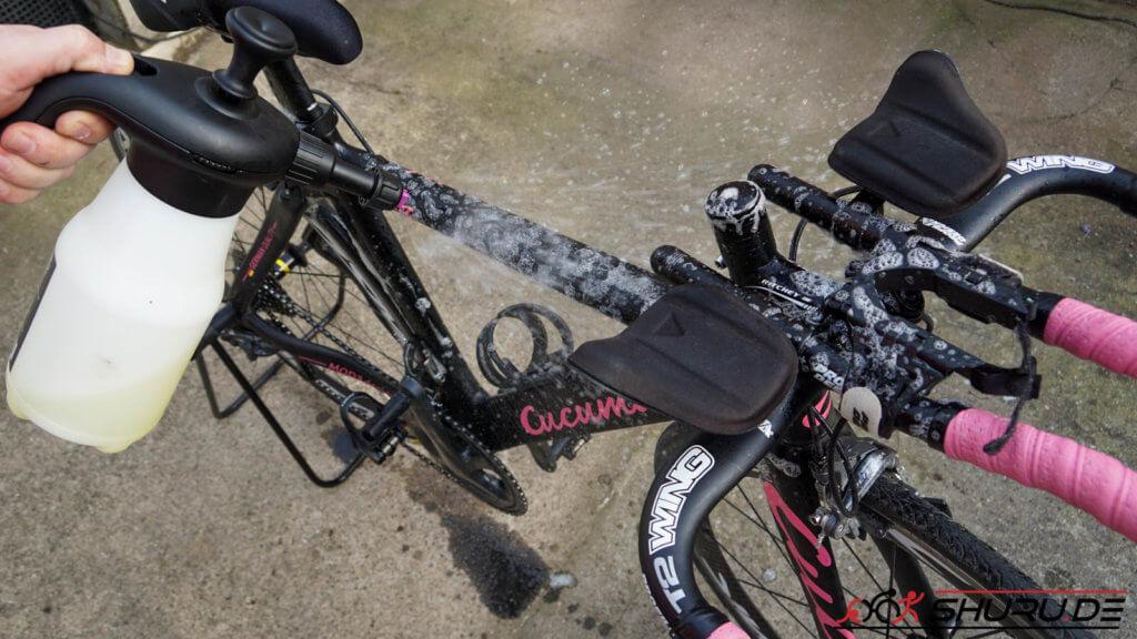 Fahrrad Pflege mit Drucksprüher